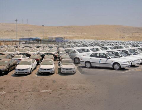 با تولید 1.7 میلیون خودرو، باید به مردم برای خرید التماس کنیم!