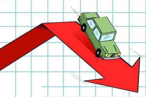ریزش قیمت ها در بازار خودرو با وجود افزایش قیمت خودروسازان
