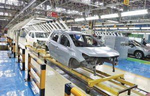 ۱۸ درصد تولیدات خودروسازان ناقص است